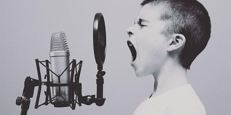 Cómo configurar un micrófono externo en tu Mac
