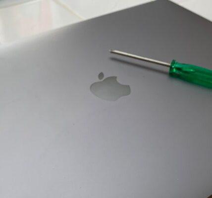 Cómo restablecer de fábrica una Mac