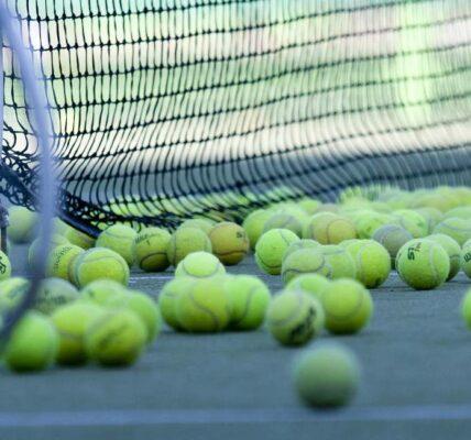 Cómo jugar un juego secreto de tenis de Google ahora mismo