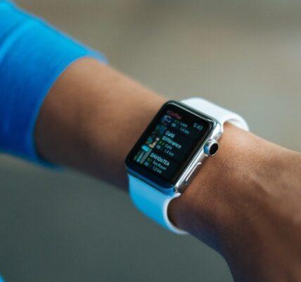 FitBit vs Apple Watch: ¿cuál es tu monitor de actividad física?
