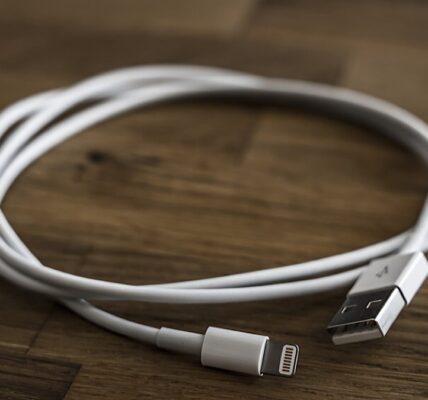 Incluso se puede usar un cable Lightning para piratear su computadora