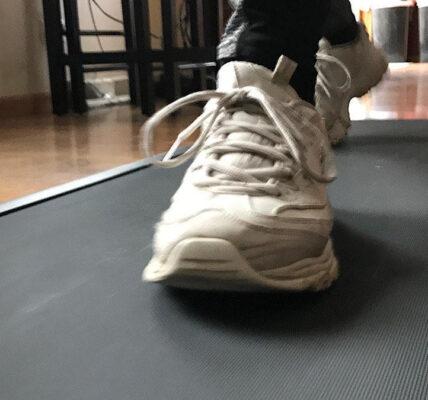 Dé un paseo en interiores con la cinta de correr Folding WalkingPad A1