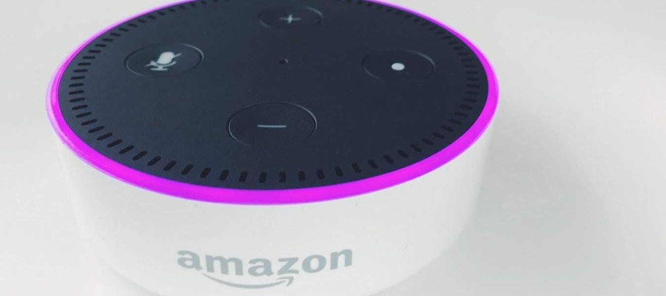 Cómo registrar un dispositivo Amazon Alexa antes de abandonarlo