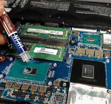 Cómo reparar una computadora portátil sobrecalentada desde dispositivos internos