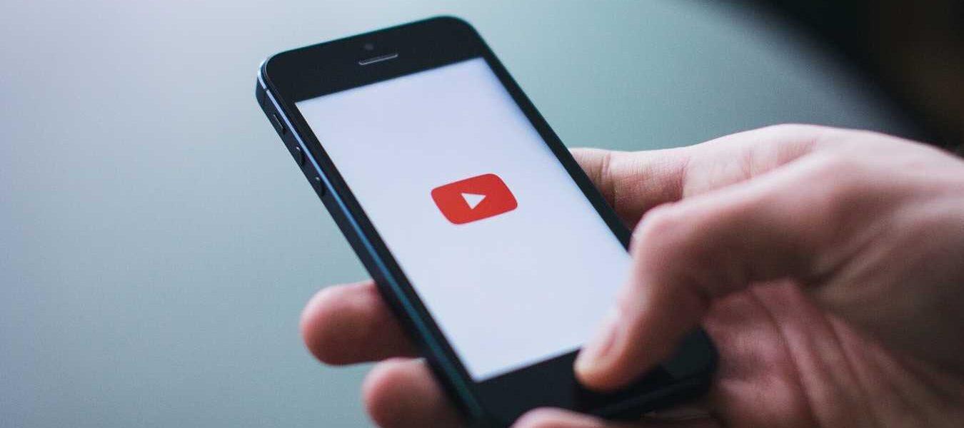 Cómo mostrar subtítulos en YouTube