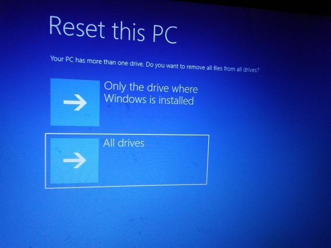 Volver a la configuración de fábrica Windows 10 Restablecer todas las unidades