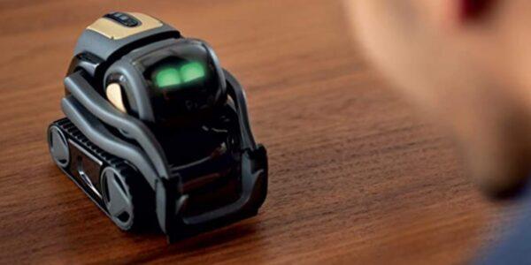 Vector robot de Anki con Alexa incorporada por $ 140 de descuento