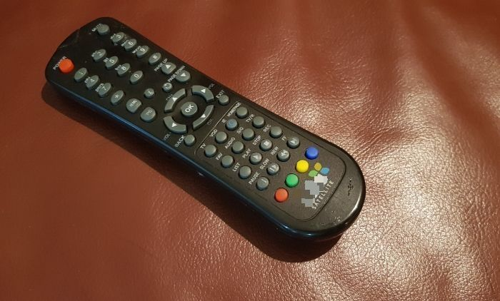 Limpiar y desinfectar el televisor de forma remota