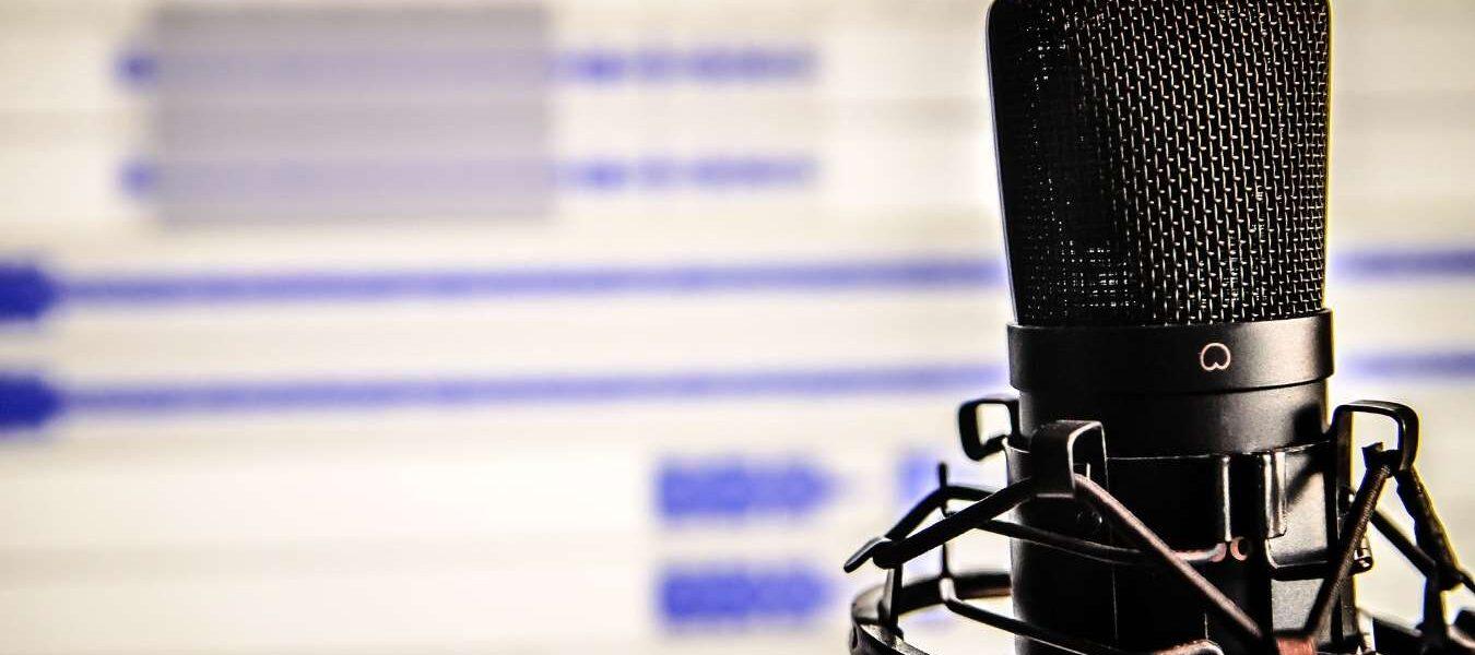 5 de los mejores podcasts de comedia para relajarte